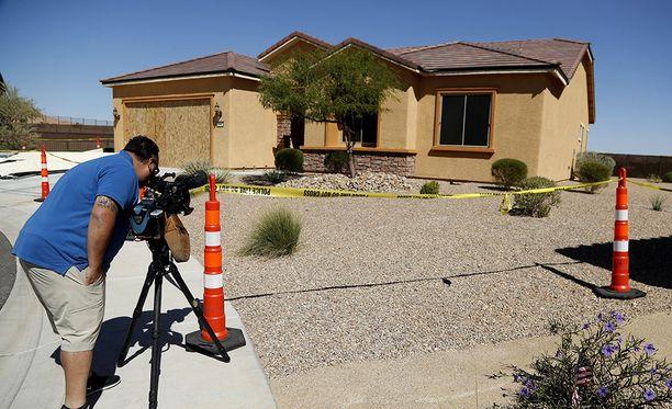 Paddockin kahdesta asunnosta ja hotellihuoneesta löytyi yhteensä 47 asetta. Kuvassa Mesquiten asunto Nevadassa.
