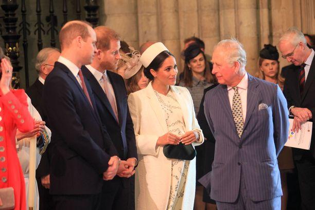 Välirikko isän kanssa on johtanut siihen, että Meghan on tukeutunut appiukkoonsa, prinssi Charlesiin.