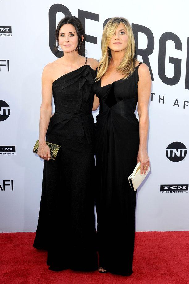 Courteney Cox ja Jennifer Aniston ovat tunteneet toisensa miltei 30 vuotta.