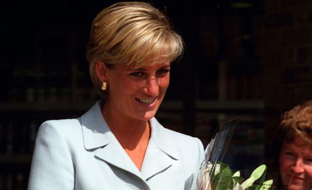 Dianan elämästä on kirjoitettu useita kirjoja.