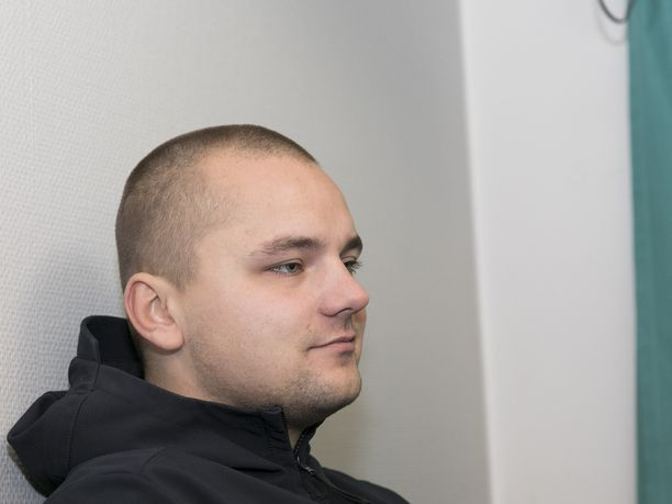 Torniainen pahoinpiteli kolmen muun henkilön kanssa ottelun järjestyksenvalvojia.