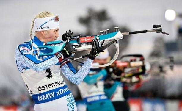 Kaisa Mäkäräinen onnistui hiihdossaan ja lähtee hyvältä paikalta huomiseen takaa-ajoon.