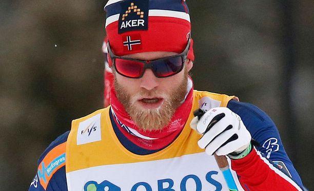 Martin Johnsrud Sundby hallitsee miesten hiihtoa.
