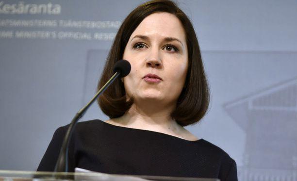 Sanni Grahn-Laasonen on huolissaan Suomen poikien hälyttävistä tuloksista.