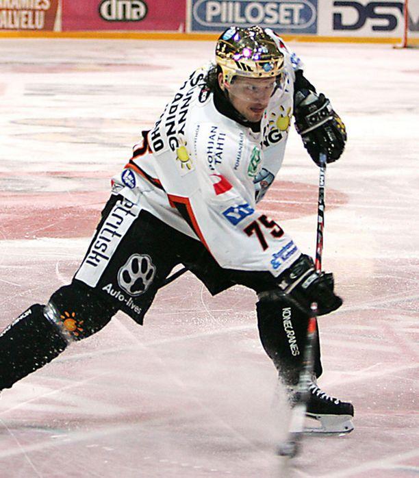 Toni Mäkiaho pelasi kauden 2006-07 HPK:ssa.