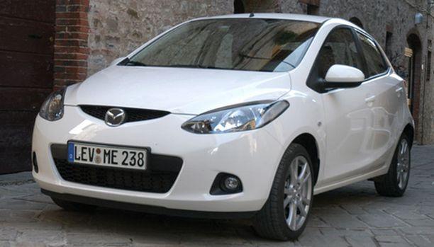 MADE IN JAPAN Japanissa suunniteltu Mazda2 on sovitettu eurooppalaiseen maisemaan.
