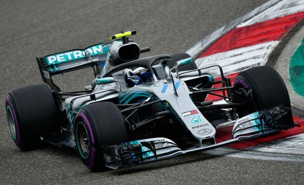 Valtteri Bottas ajoi kakkossijalle Kiinan GP:ssä.