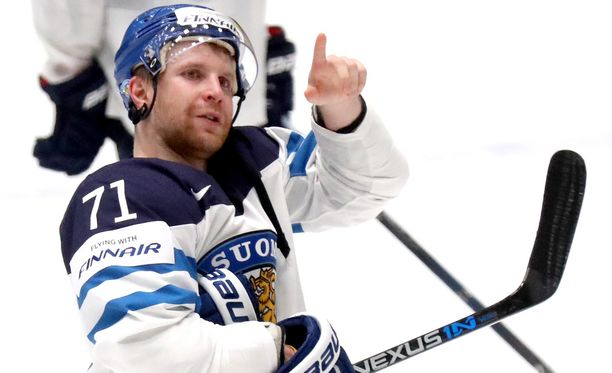 Leo Komarov on MM-kisoissa yleisön suosikki - niin suomalaisen kuin venäläisenkin.