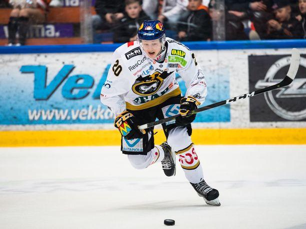 Ensimmäisen kautensa Liigassa pelannut Aleksi Heponiemi oli runkosarjassa Kärppien toiseksi paras pistemies.