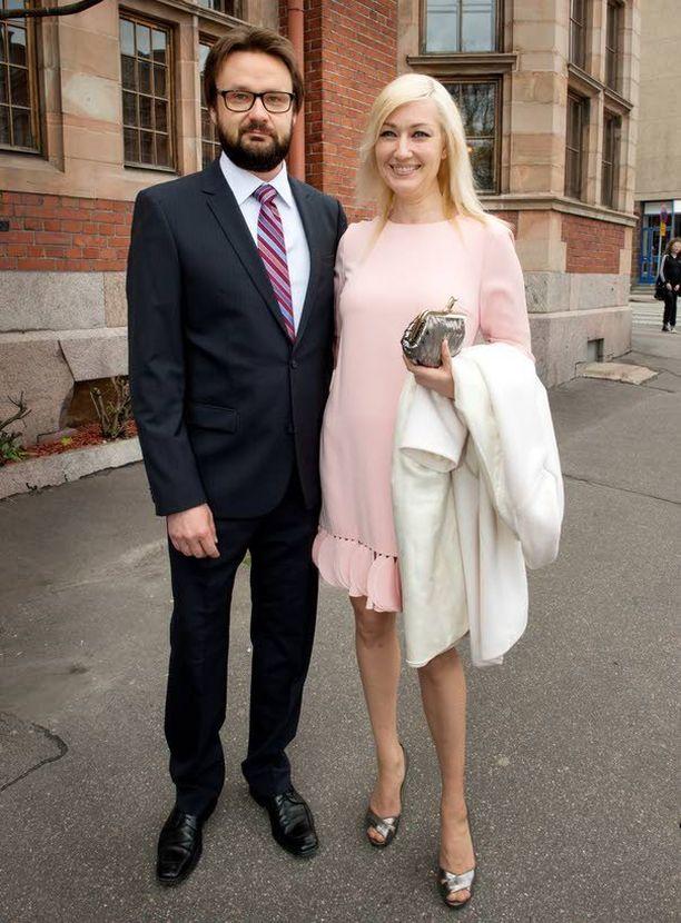 Kansanedustaja Maria Guzenina-Richardson (sd) ja hänen miesystävänsä, valtioneuvoston ex-viestintäjohtaja Kari Mokko.