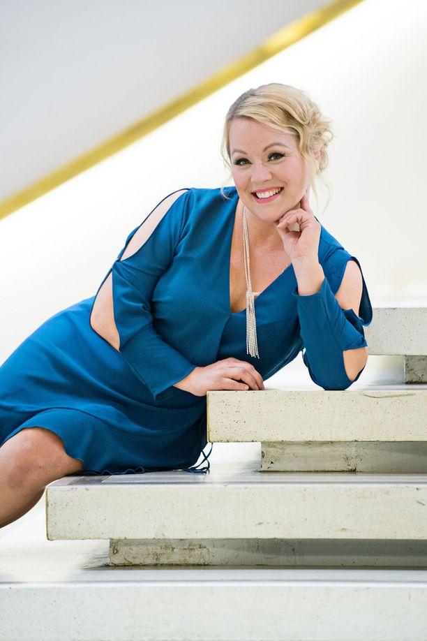 Heidi Pakarinen viihtyi pitkään blondina.