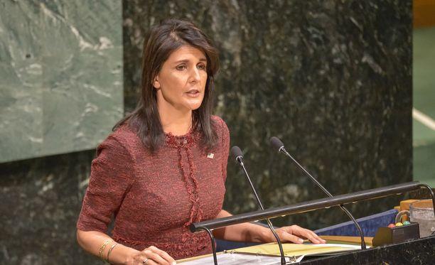 USA:n YK-suurlähettiläs Nikki Haley ilmoitti neuvotelleensa YK:n budjettiin noin neljännesmiljardin leikkauksen.