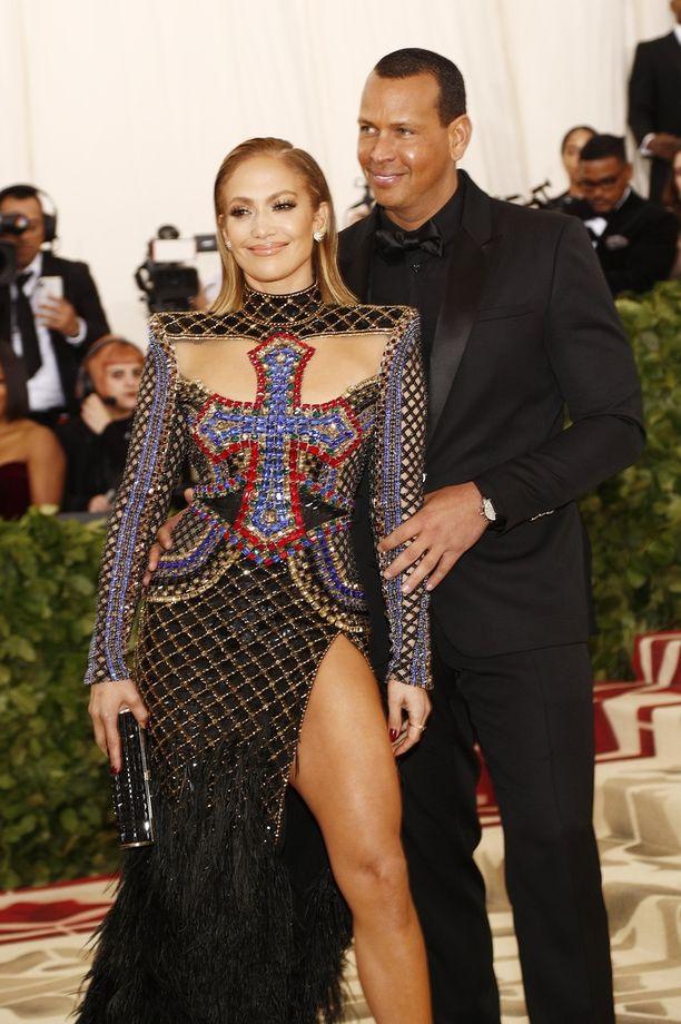 Jennifer Lopez ja Alex Rodriguez ovat olleet vuoden yhdessä.