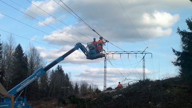 Luvassa on laajoja sähkökatkoja ympäri Suomea.