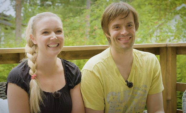 Essi Pöysti ja Ville Mäkäläinen ovat olleet naimisissa vuodesta 2015.
