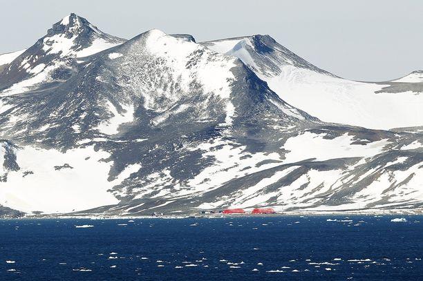 Etelä-Mantereelta on irronnut iso jäävuori