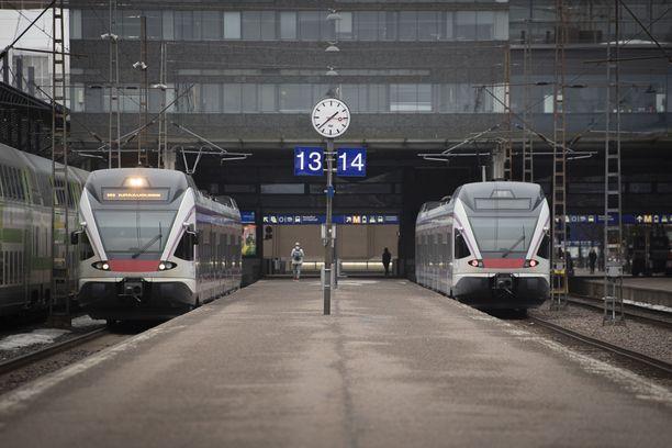Väylävirasto kertoo, että liikennekatkojen suunnittelu tehdään yhdessä rautatieliikenteen harjoittajien kanssa. Kuvituskuva Helsingistä.