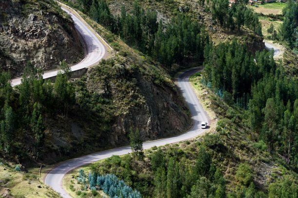 Andien vuoristossa kiemurtelevat tiet ovat haastavia ja vaarallisia.