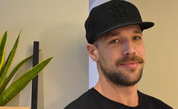 Niklas Hogner muutti kesällä Lontooseen poikaystävänsä kanssa.
