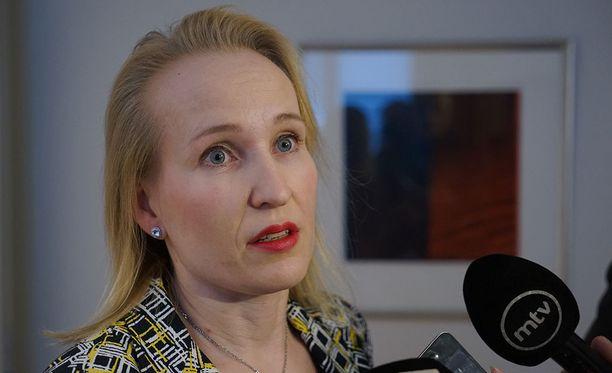 Valtakunnansovittelija Minna Helle tviittaa, että sähköalan riitaan on annettu sovintoehdotus.