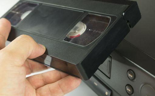 Löytyykö kaapistasi aarre? Osa VHS-kaseteista on keräilyharvinaisuuksia - Disney-elokuvasta maksettiin Suomessa 1810 euroa