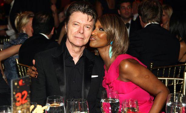 Bowie kuoli 69-vuotiaana 10. tammikuuta sairastettuaan pitkään syöpää.