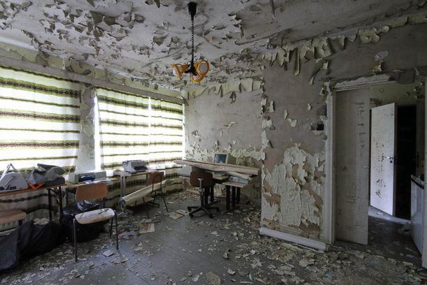 Hylätty peruskoulu on rapistunut surulliseen kuntoon.