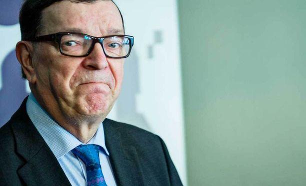 Paavo Väyrysen suunnitelmissa siintää uusi puolue.
