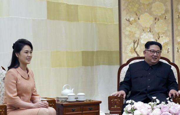 Kimin vaimo Ri Sol-ju osallistui Pohjois-Korean ja Etelä-Korean huippukokoukseen huhtikuun lopussa.
