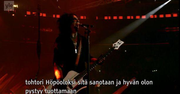 Mötley Crüen sanoitusten syvä ydin tulee ilmi suomennoksista.