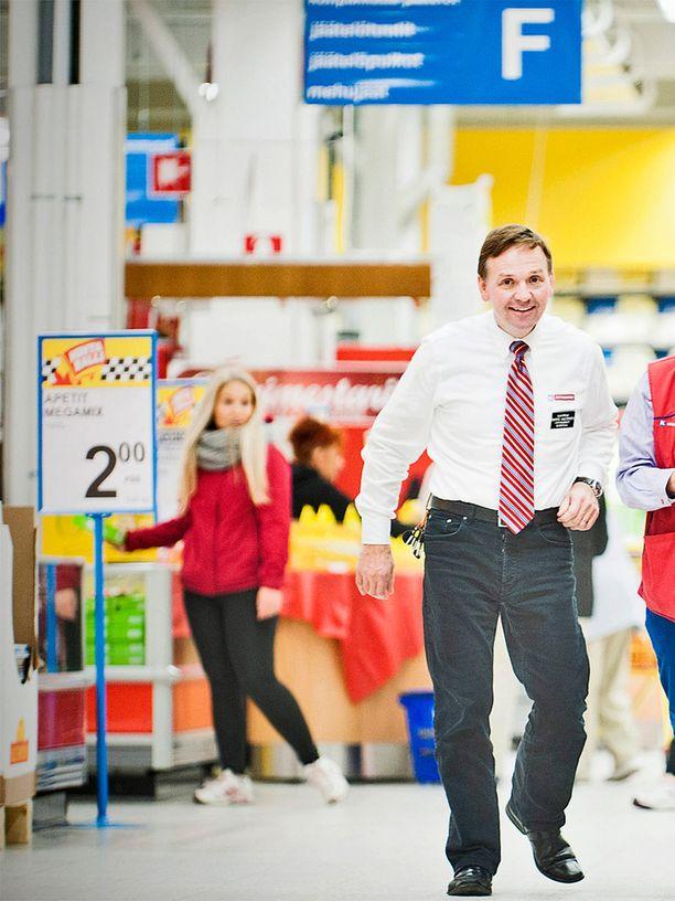 Kolmannen polven kauppias Hannu Aaltonen on tahkonnut miljoonatienestejä läpi 2000-luvun. Raharikaslistan top 30:een Aaltonen on päässyt kahdesti, vuonna 2009 ja vuonna 2012.