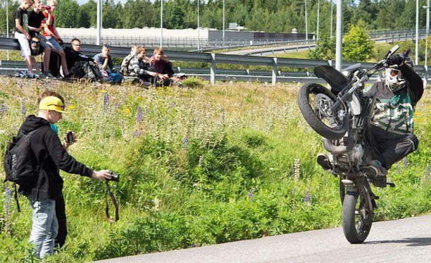 Arkistokuva. Keulintaa Tampereella mopomiitissä vuonna 2015.