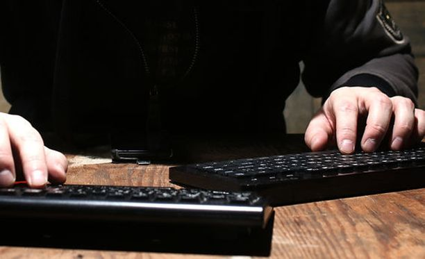 Vainoaja lähetti naiselle reilun puolen vuoden aikana yli 2 000 tekstiviestiä ja sähköpostia.