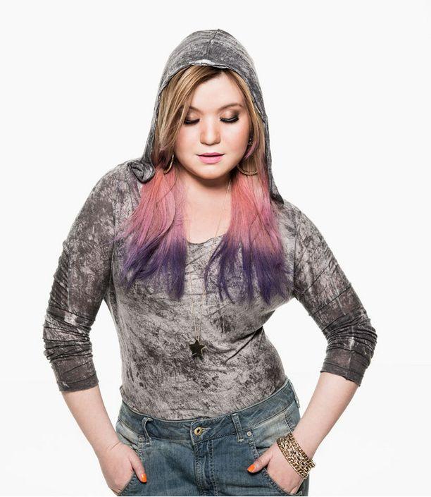 Diandran hiukset olivat saaneet uuden kesäisen värityksen.