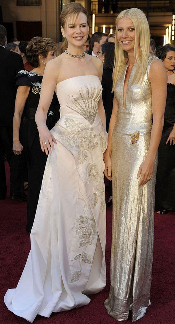 Nicole Kidmanilla ja Gwyneth Paltrowlla näytti olevan hauskaa keskenään.