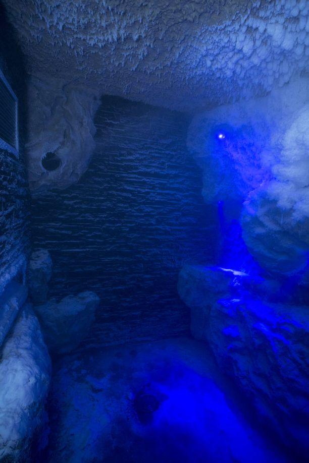Viking Gracen jääluolassa voi virkistäytyä pakkaslämpötilassa-