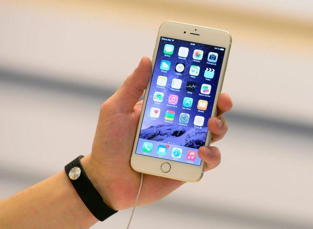 Iphone 6 -mallin kanssa julkaistiin samaan aikaan myös isompi plus-malli.