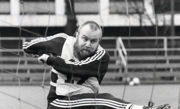 Gösta Sundqvist rakasti jalkapalloa.