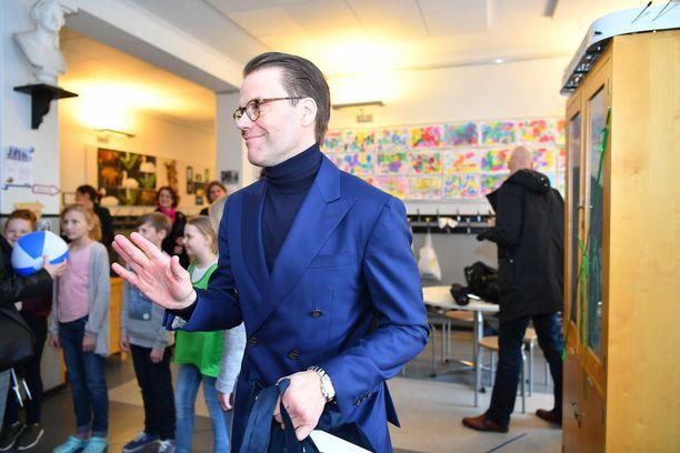 Prinssi Daniel vieraili tänään Drumsö skolanissa.