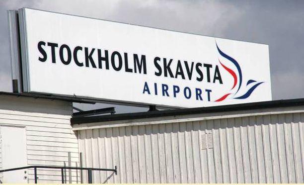 Lentokenttä tyhjennettiin puoleltapäivin.