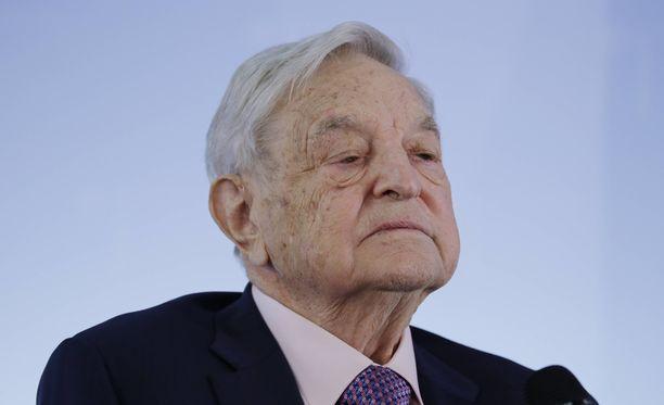 Suursijoittaja George Soros on huolissaan Facebookin ja Googlen vallasta ja vaikutuksesta yhteiskuntaan.