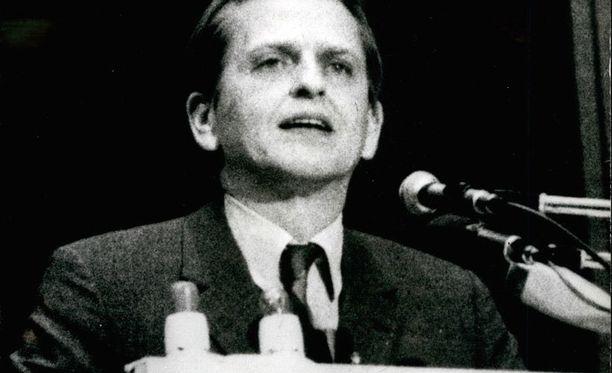 Palme oli Ruotsin pääministeri ja sosiaalidemokraattisen puolueen puheenjohtaja.