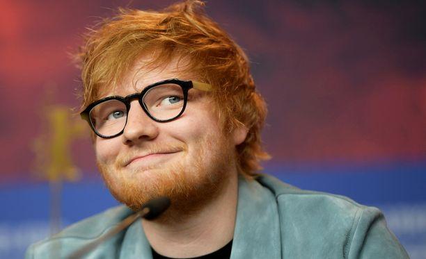Onhan Ed Sheeranissa toki prinssin näköä...