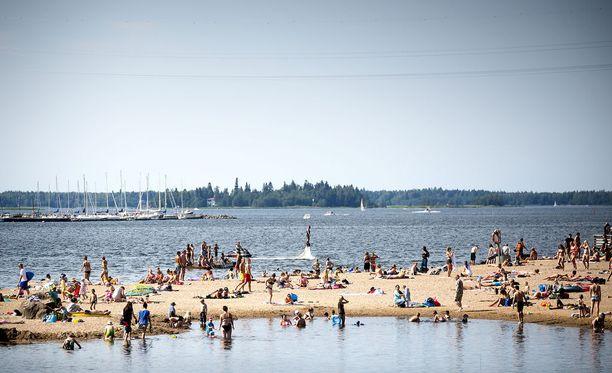 Heinäkuussa voi hyvinkin olla upeita rantakelejä.
