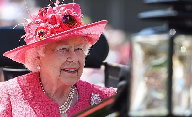 Kuningatar Elisabetilla on oma salakäytävä Buckinghamin palatsissa.