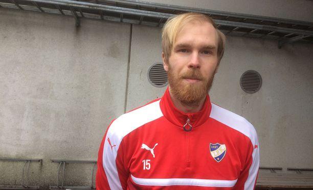 HIFK:n uusi toppari Kim Raimi odottaa HJK:n kohtaamista.