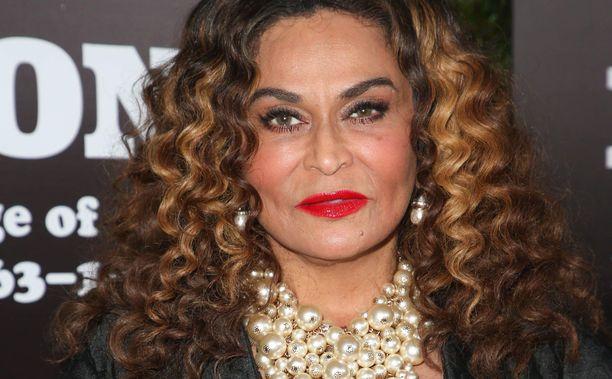 Beyoncén äiti kertoi taustoja tyttärensä artistinimestä.