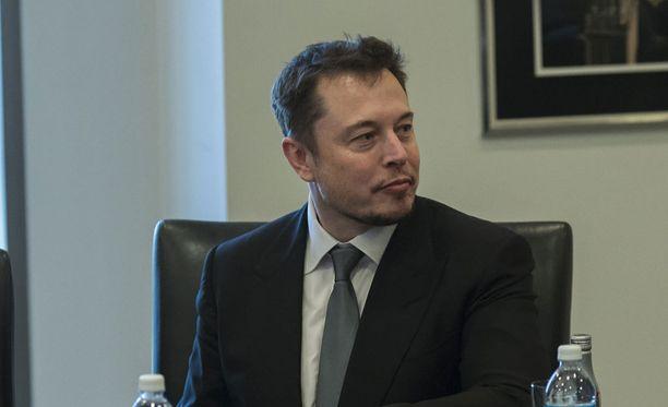 Teknologiamoguli Elon Musk jätti Trumpin neuvonantajan tehtävät.