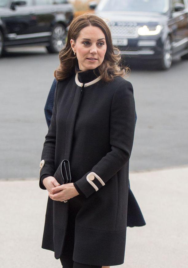 Cambridgen herttuatar Catherine, 35, odottaa hänen ja prinssi Williamin kolmatta lasta.