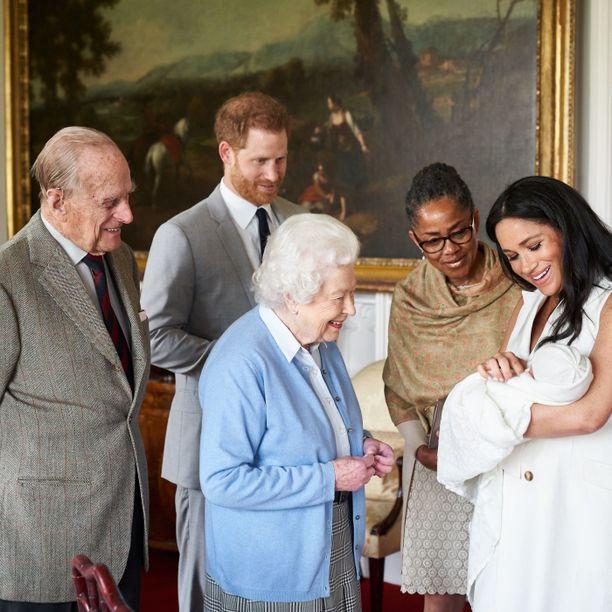 Doria Ragland tapasi lapsenlapsensa yhdessä kuningatar Elisabetin ja prinssi Philipin kanssa.